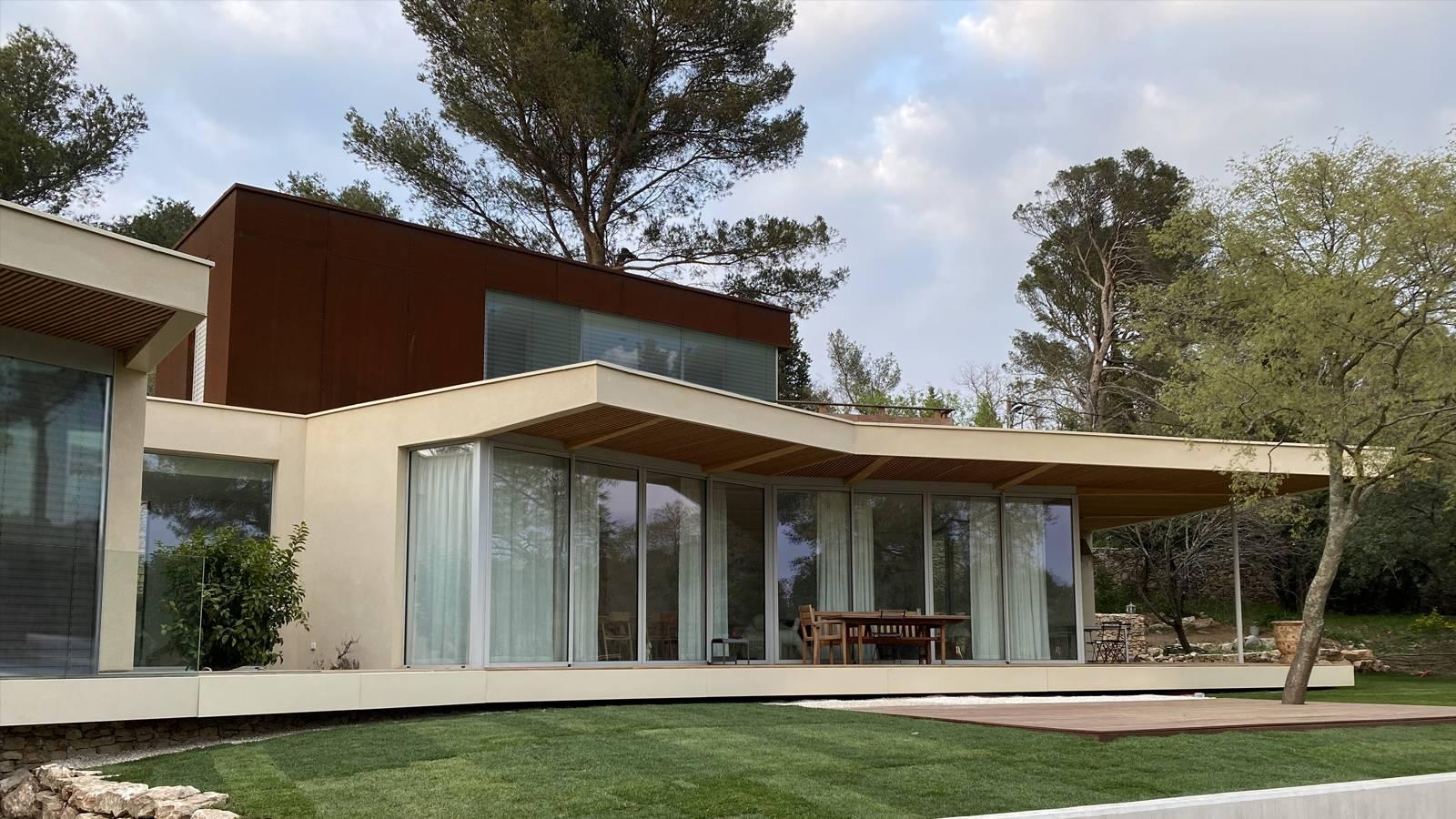Maison D Architecte En Bois Resolument Moderne Et Design En France Cabinet D Architecture D Interieur En Auvergne Rhone Alpes Cabinet Vielliard Francheteau Architectures