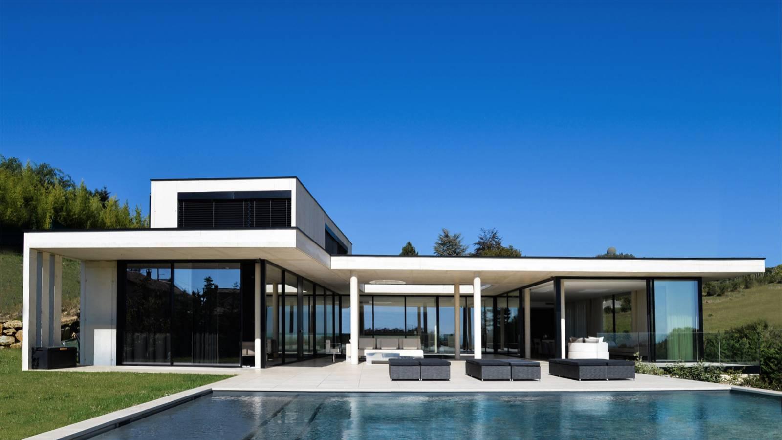 Maison Contemporaine Avec Piscine Miroir Sur Les Hauteurs De Lyon Cabinet D Architecture D Interieur En Auvergne Rhone Alpes Cabinet Vielliard Francheteau Architectures