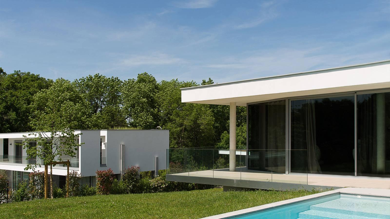 Maison De Plain Pied Vitree Avec Patio A Lyon Cabinet D Architecture D Interieur En Auvergne Rhone Alpes Cabinet Vielliard Francheteau Architectures